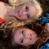 modellen: Mireille en Nathalievisagie: Annettelokatie: Aekingerzand (kale duinen)